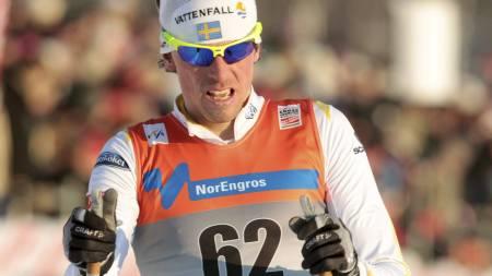 SVENSK SEIER: Johan Olsson vant sesongåpningen i verdenscupen på Sjusjøen foran Petter Northug. (Foto: Bendiksby, Terje/Scanpix)