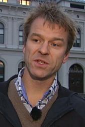 MISFORNØYD: Sigve Bolstad mener alle kameraene rundt Oslo S bør være i bruk.   (Foto: Goran Jorganovic / TV 2)