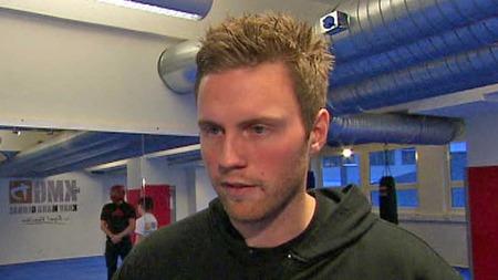 ENORM PÅGANG: Instruktør Anders Hilling i Krav Maga Academy sier til TV 2 at voldtektsbølgen fører til en enorm pågang på selvforsvarskurset. (Foto: TV 2)