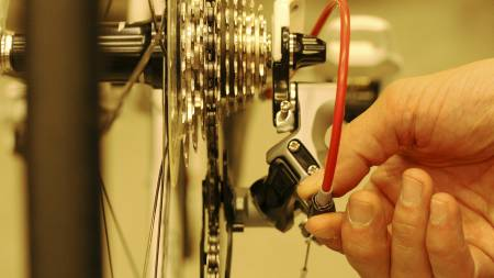 Vedlikehold   av sykkel, Atle Kvålsvoll gir tips. (Foto: Eivind A. Pettersen/)