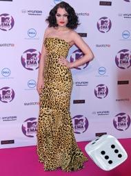 GRRR: Jessie J viste en dyrisk side av seg selv under «MTV Europe Music Awards». Kjolen i leopardprint og de rødmalte leppene står til terningkast 6.