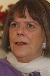 OPPRØRT: Margit Lømo, leder for Landsforeningen for voldsofre, blir opprørt over å høre at Oberster ikke har fått hjelp. Likevel sier hun at saken dessverre er langt fra unik.  (Foto: TV 2)