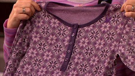 Ulltrøye fra Kari Traa. Kari Traa bruker ofte morsome mønster og sterke farger.