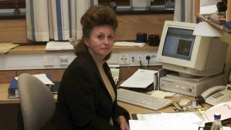 TI ÅR SIDEN: Eli Hagen avbildet på sitt kontor på Stortinget, fredag 16. november, 2001. (Foto: Falch, Knut/SCANPIX)
