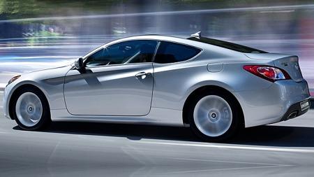 Møter du en 2011 Hyundai Genesis Coupé i trafikken i USA, her en 2010-modell, kan du regne med at føreren vet hvor han eller hun skal. Bilen ble nummer to på den litt triste listen over bilene med de