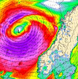 Fiolett viser hvor det er storm klokken 9 fredag. (Foto: StormGeo)