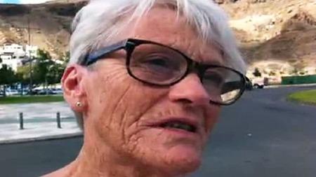 REDD: Norske Mary Ann Mortensen er på ferie i Puerto Mogan hvor eksplosjonen skjedde. (Foto: Asbjørn Leirvåg/TV 2)