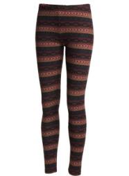 TRENDY TIGHTS: Denne sesongen ser vi mange tightser med mønstre og de er gjerne i strikkede kvaliteter. Vil du at bena dine skal se slankere ut enn de er, bør du nok unngå horisontale mønstre. Har du derimot tynne ben du vil at skal se litt kraftigere ut, kan dette være tightsen for deg (kr 199, Kappahl).