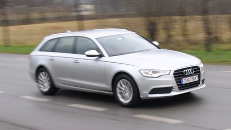 Både BMW 5-serie og Audi A6 er svært komfortable biler å kjøre - men BMWen leverer hakket hvassere egenskaper ved aktiv kjøring.