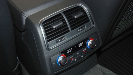 Audi A6en hadde firesoners klimaanlegg.