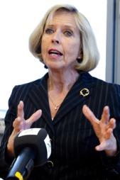 Helseminister Anne-Grete Strøm-Erichsen (Ap) er bekymret over tallene fra OECD-rapporten «Health at a Glance».  (Foto: Scanpix)
