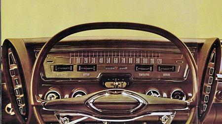 Legenden Virgil Exner sto bak noen utrolige design hos Chrysler før han sluttet på 60-tallet. På luksuriøse Imperial slo han seg riktig løs, og