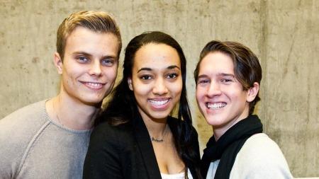 TREKANT: Programledere: Even Jørs, Johanna Djena Bråthen Zamble   og Benjamin Mathias Silseth utforsker sex. (Foto: Tommy Arnesen 5033,   ©ps)