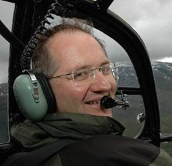 Ødegaard flyr gjerne dit det er bra vær for å få med seg formørkelsen. (Foto: Erik Veigård / SCANPIX)