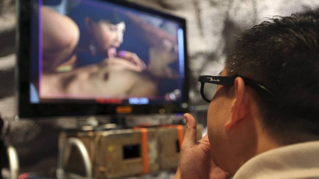 tv 2 hjelper deg kontakt norsk tale porno