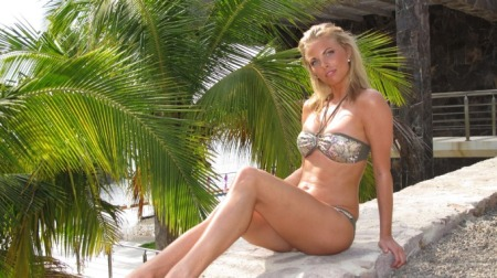eskorter i oslo tone damli aaberge bikini