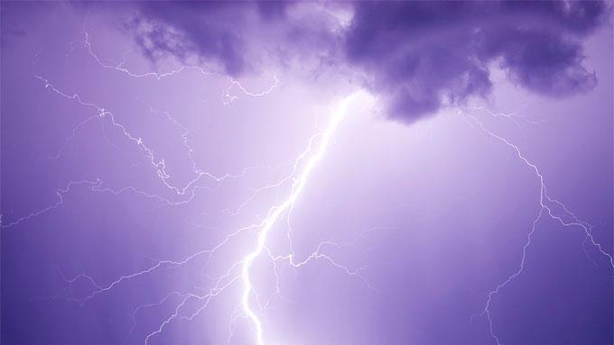 UVÆR: Et kraftig lynnedslag drepte familien som ferierte i fjellområdet. (Illustrasjonsbilde). (Foto: Wikipedia Commons)