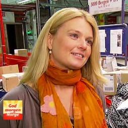 Pressesjef i Posten, Hilde Ebeltoft-Skaugrud, anbefaler å merke pakkene godt slik at de skal komme fram til rette mottaker.