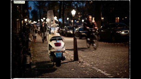 Her er bildet fotografen hadde i hodet da han tok bildet på gaten. Selv om kameraet ikke gir denne stemningen i bildet, kan man med enkle grep justere det i etterkant - uten å være ekspert.  (Foto: Foto: Stian Schioldborg)