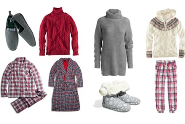 KOSEJUL: For herre: Grå tøfler med rutete for (kr 99, H&M), rød strikkegenser (kr 399, H&M), rutete pyjamas (kr 349, Kappahl), rutete morgenkåpe med rått for (kr 349, Kappahl) For dame: Grå pologenser (kr 299, Kappahl), Cardigan med hette (kr 349, H&M), grå tøfler (kr 149, H&M), kosebukse med ruter (kr 149, H&M)