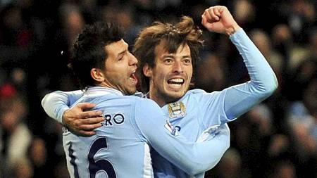 Sergio Agüero og David Silva kunne juble for tre poeng mot Arsenal. (Foto: Martin Rickett/Pa Photos)
