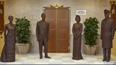 SØT VERSJON: En konditor i Spania bestemte seg for å lage hele den Spanske kongefamilien i sjokolade.
