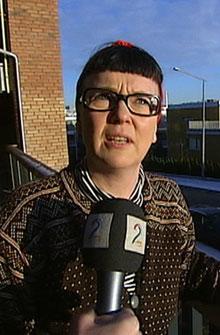 NABO TIL BOMBEBILEN: Hanne Live Andersen hadde bombebilen til Breivik rett utenfor døren sin på Skøyen før terroraksjonen 22. juli. (Foto: TV 2)