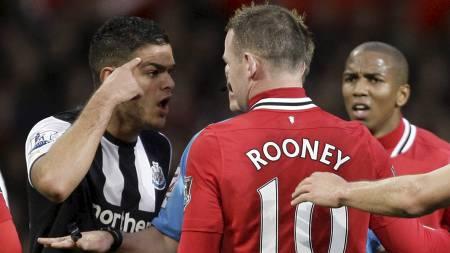 Hatem Ben Arfa, Wayne Rooney (Foto: JON SUPER/Ap)