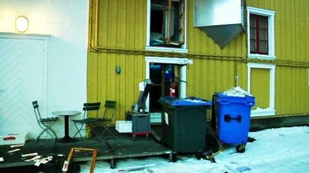 Vinduer ble blåst ut i eksplosjonen. (Foto: TV 2)