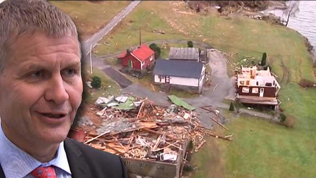 SÅRBARHET: Miljø- og utviklingsminister Erik Solheim, SV, mener en må vurdere behovet får et nytt sårbarhetsutvalg. (Foto: TV 2)