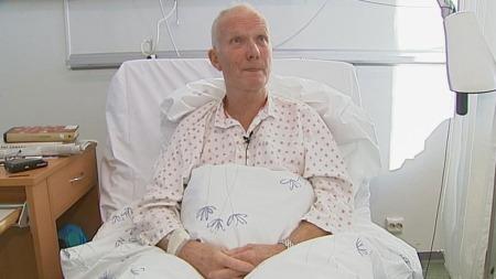 SKAMMELIG: Kjell Kallestad venter på operasjon. Han mener situasjonen er skammelig.  (Foto: TV 2)