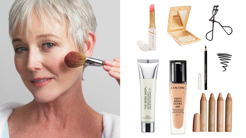 MAKEUP FOR MODEN HUD: Vi tipser om enkel hverdagsmakeup for voksen og moden hud. Produktinformasjon og priser finner du i artikkelen under.