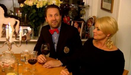 4-STJERNERS: Mia Gundersen ble invitert i middagsselskap hos   komiker Steinjo.