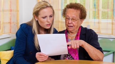 Mange besteforeldre ønsker å sette av litt arv til barnabarna. Hva er reglene for dette og hvordan går man fram? (Foto: Illustrasjonsfoto)