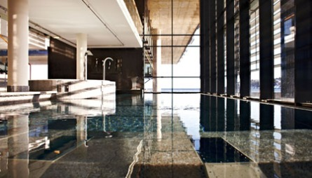 BASSENG MED HAVUTSIKT: Farris Bad har Nordens største og mest innholdsrike spa-avdeling.