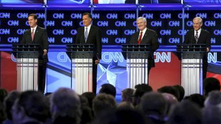 HARD KAMP: De fire gjenværende kandidatene møttes til debatt torsdag kveld. (Foto: ERIC THAYER/Reuters)