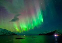 Kvalsundet utenfor Tromsø natt til 25.januar. (Foto: Jan Holthe)