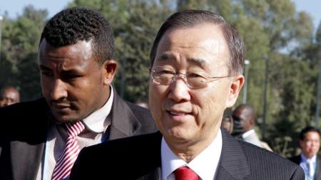 FNs generalsekretær Ban Ki-moon ankommer toppmøtet i Den afrikanske union i Addis Abeba.  (Foto: Scanpix)