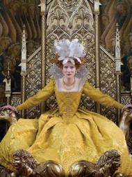 KOSTYMEDRONNING: Cate Blanchett som Elizabeth i filmen «The Golden Age». Filmen er kjent for sine vakre kostymer og imponerende kostymedesign.