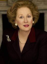 JERNKVINNEN: Også nyere filmkostymer er med i utstillingen «Hollywood Costume», blant annet fra filmen «Iron Lady» med Meryl Streep som Margaret Thatcher.