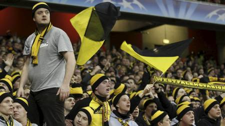 Borussia Dortmund fans (Foto: Kirsty Wigglesworth/Ap)