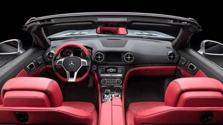 Lett gjenkjennelig interiør - med flere elementer vi kjenner fra andre Mercedes-modeller.