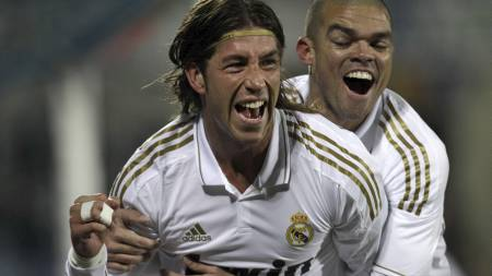 Sergio Ramos og Pepe (Foto: Arturo Rodriguez/Ap)