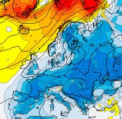 Kartet viser avviket fra normal temperatur. I de mørkerøde områdene i nord er det mer enn 10 grader mildere enn normalt, i de mørkeblå mer enn 10 grader kaldere. (Foto: StormGeo)