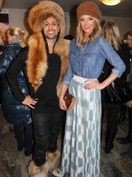 OVERRASKET PÅ DEN RØDE LØPEREN: Partyfikser Ronnie Ottem kom   i pels under åpningen av Oslo Fashion Week, til tross for det pelsfrie   initiativet i fjor.