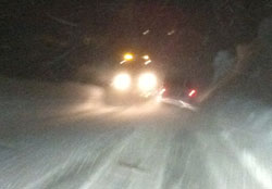 Kraftig snøvær over Filefjell søndag kveld. (Foto: Gro Altenau)