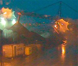 Pøsregn i Longyearbyen i månedskiftet januar februar. (Foto: Store Norske)