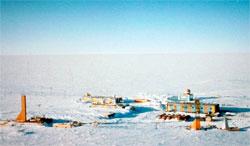 Vostok-basen har verdens kulderekord, på minus 89,2 grader, målt 21. juli 1983. (Foto: NOAA)