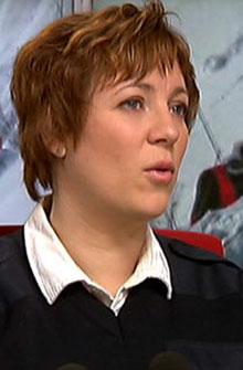 VÆR VARSOM: Christin Konstad i Røde kors hjelpekorps ber folk på tur i skredfarlige områder om å være varsomme. (Foto: TV 2)