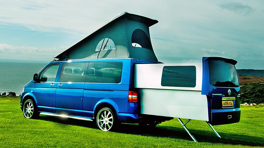 Skulle du ønske du hadde et ekstra tilbygg på campingbilen din? Da er denne VW-modellen fra Doubleback kanskje bilen du drømmer om.